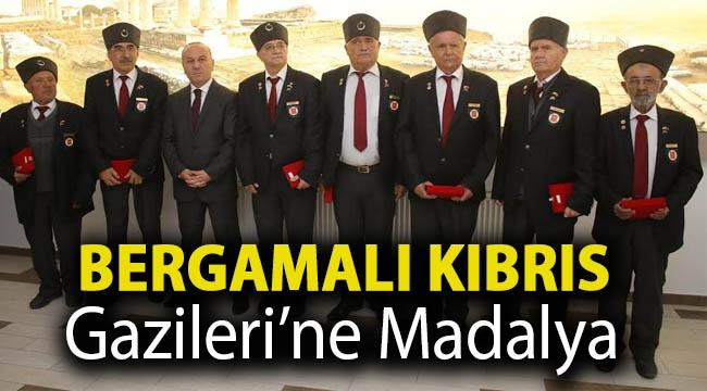 Bergamalı Kıbrıs Gazileri'ne madalya