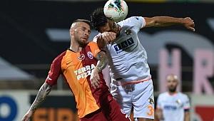 Alanyaspor, Galatasaray'ı dağıttı!